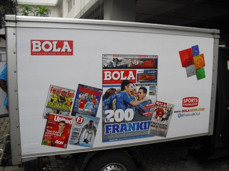 Branding mobil Box Tabloid Bola